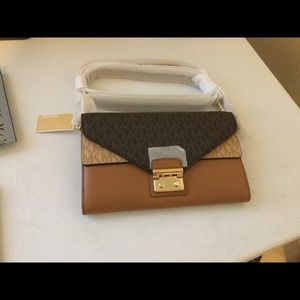 Michael Kors Sloan Large Envelope Wallet w/ chain